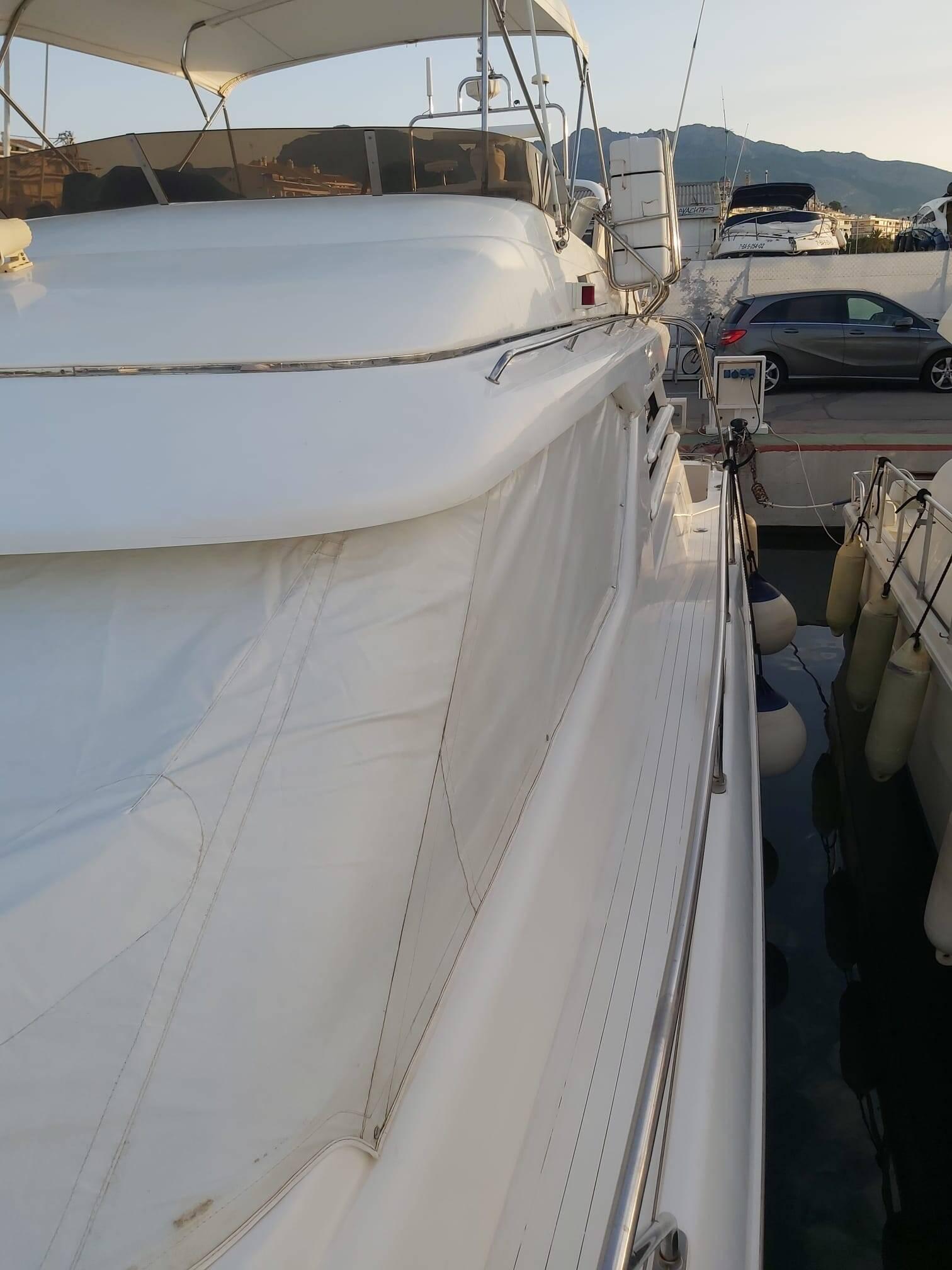 Cover close Princess Motor Yacht