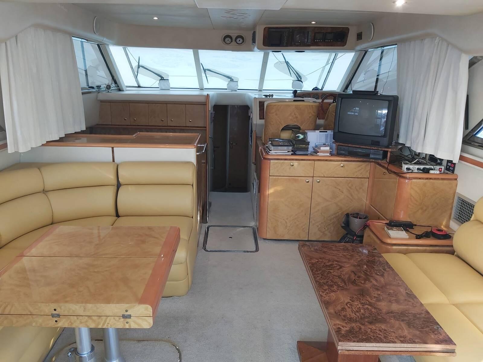 Big lounge 2 Princess Motor Yacht