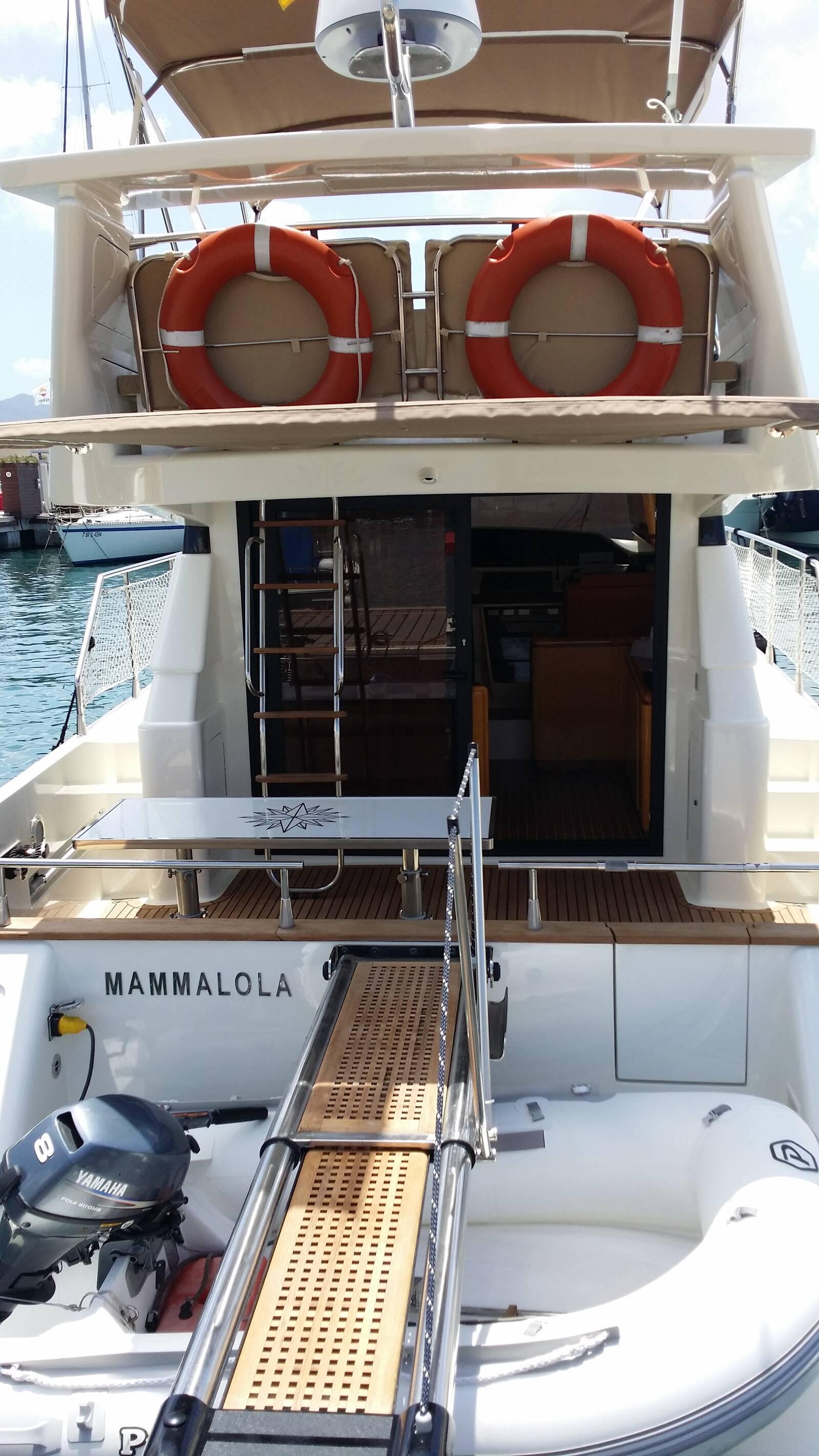 dingey Astondoa Motor Yacht For Sale