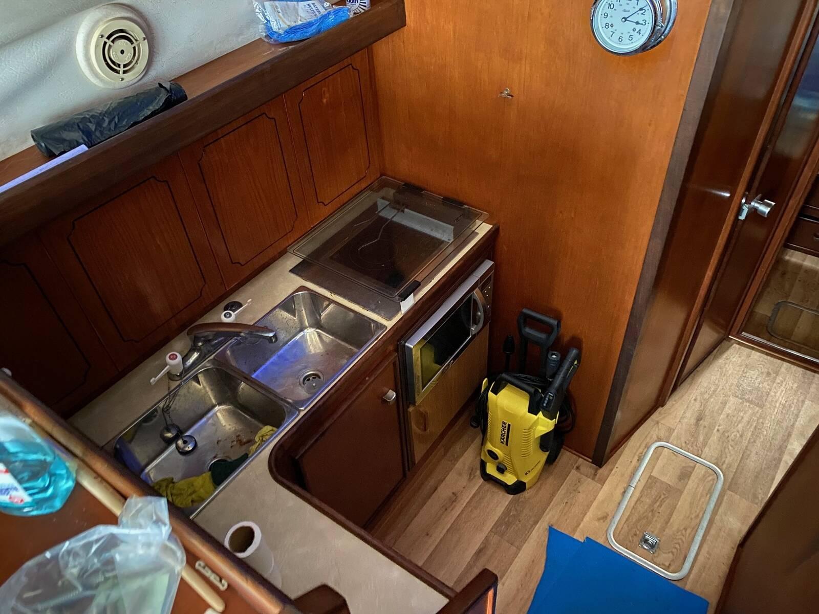 galley Fairline sedan Boat for sale