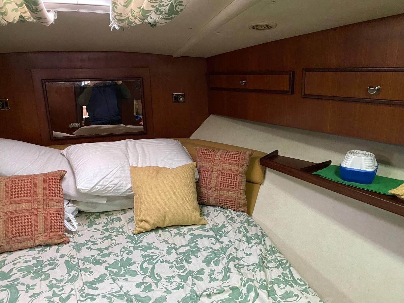 aft Fairline sedan Boat for sale