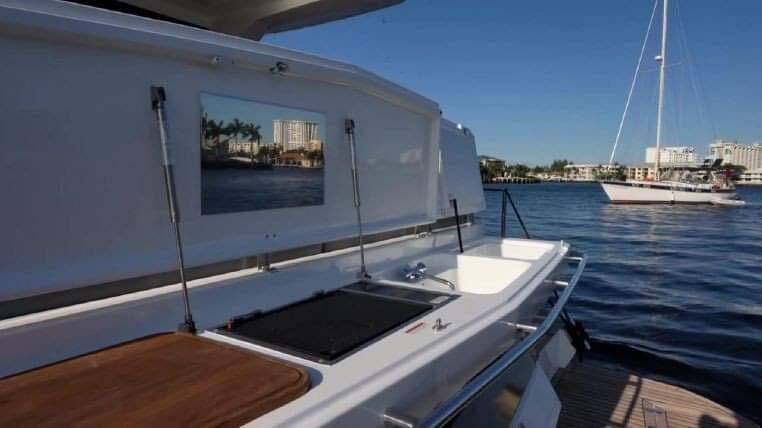 platform Galeon 400 Flybridge Motor Yacht for sale