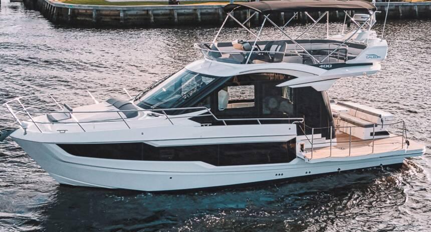 Galeon_400_Flybridge_Motor_Yacht