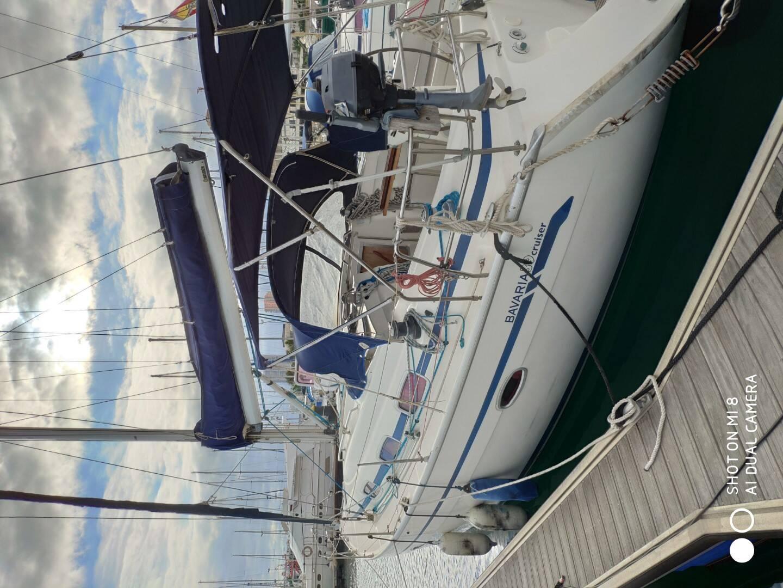 Port Aft Bavaria 37 Cruiser Yacht for sale