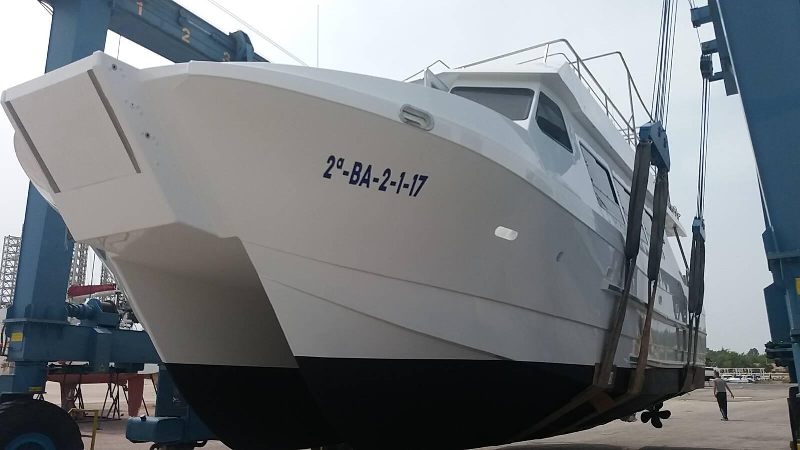 slings opp Commercial Catamaran Motor Yacht For Sale