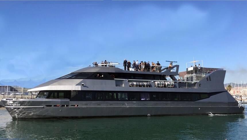 Commercial_Catamaran_Restaurant_Club