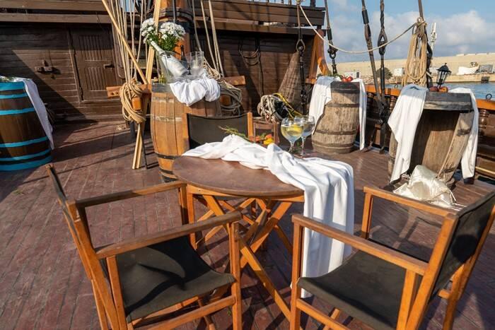 table Pirate Ship Film Ship Replica For Sale