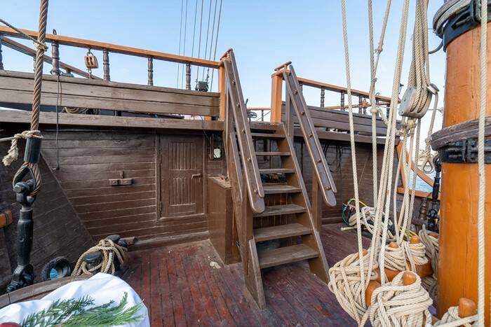 steps Pirate Ship Film Ship Replica For Sale
