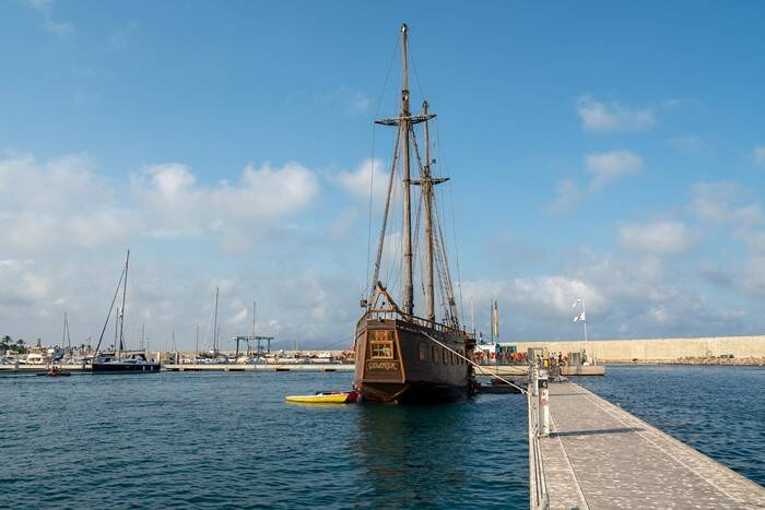 dock Pirate Ship Film Ship Replica For Sale