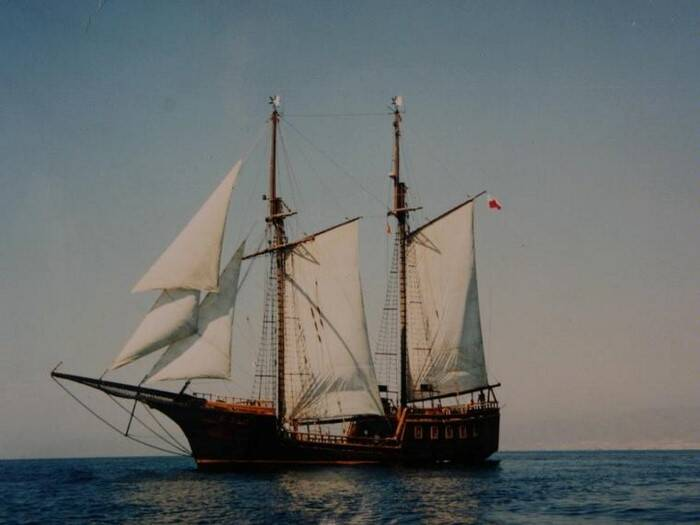 under sail Pirate Ship Film Ship Replica For Sale