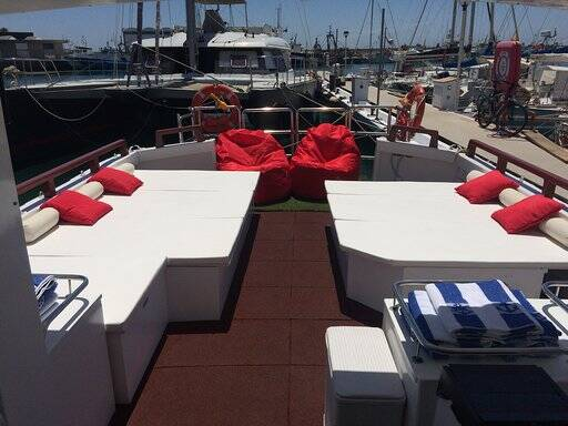 Tourist boat for sale deck beds