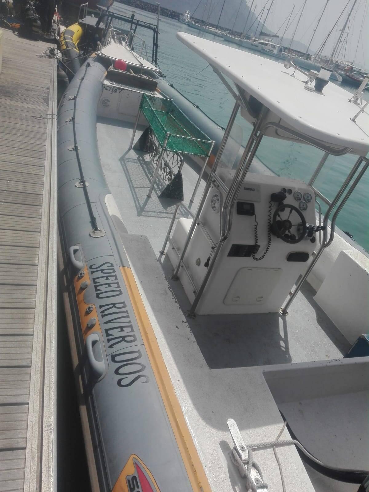RIB Rigid Inflatable Boat For Sale Model 1050 pro dock