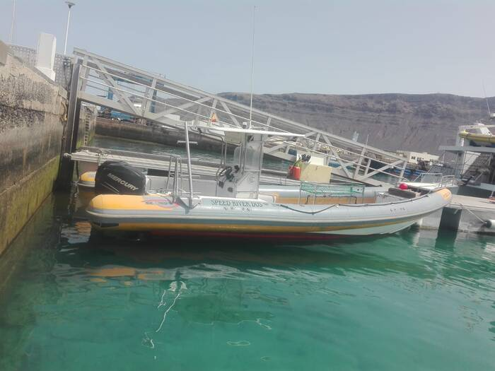 RIB Rigid Inflatable Boat For Sale Model 1050 pro