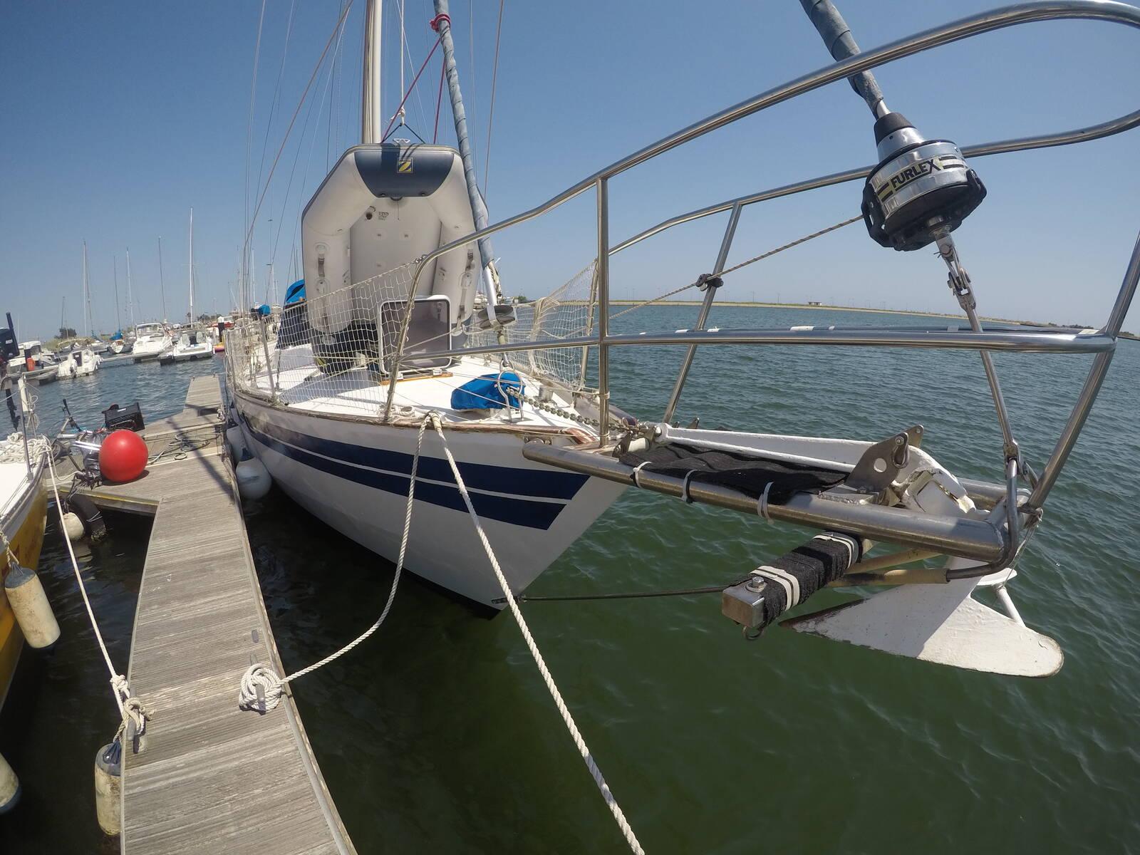 Van de Stadt Sailboat Steel bow