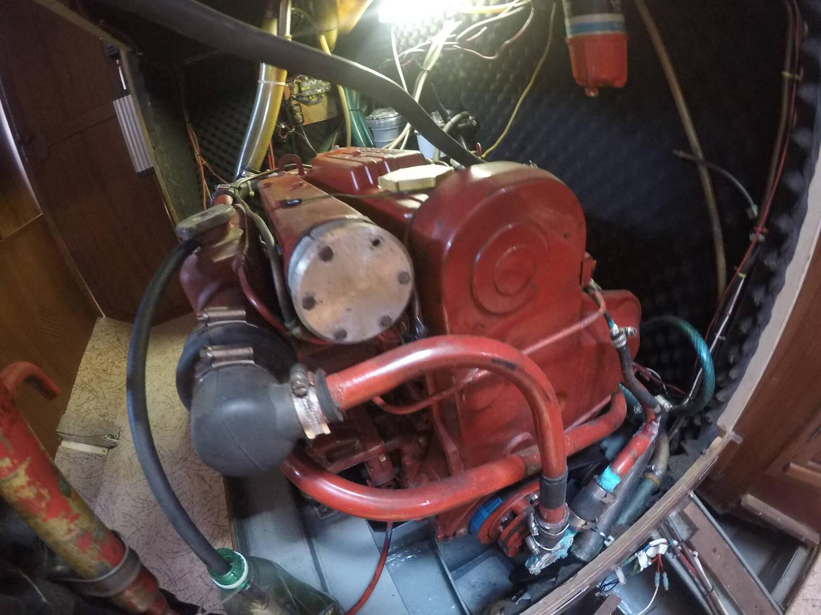Van de Stadt Sailboat Steel engine