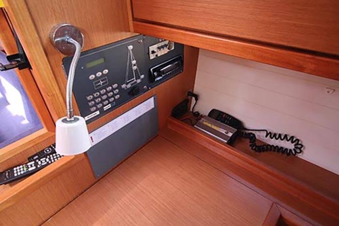 Bavaria 40 Voyager nav