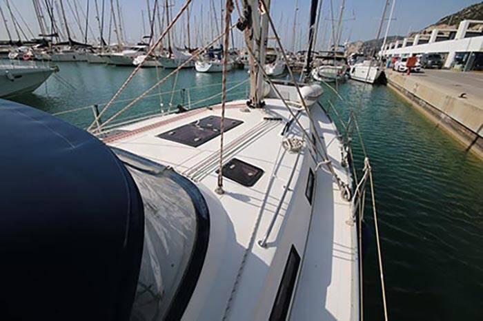 Bavaria 40 Voyager deck