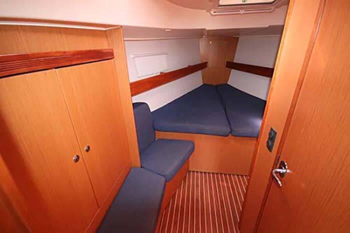 Bavaria 40 Voyager fwd cabin