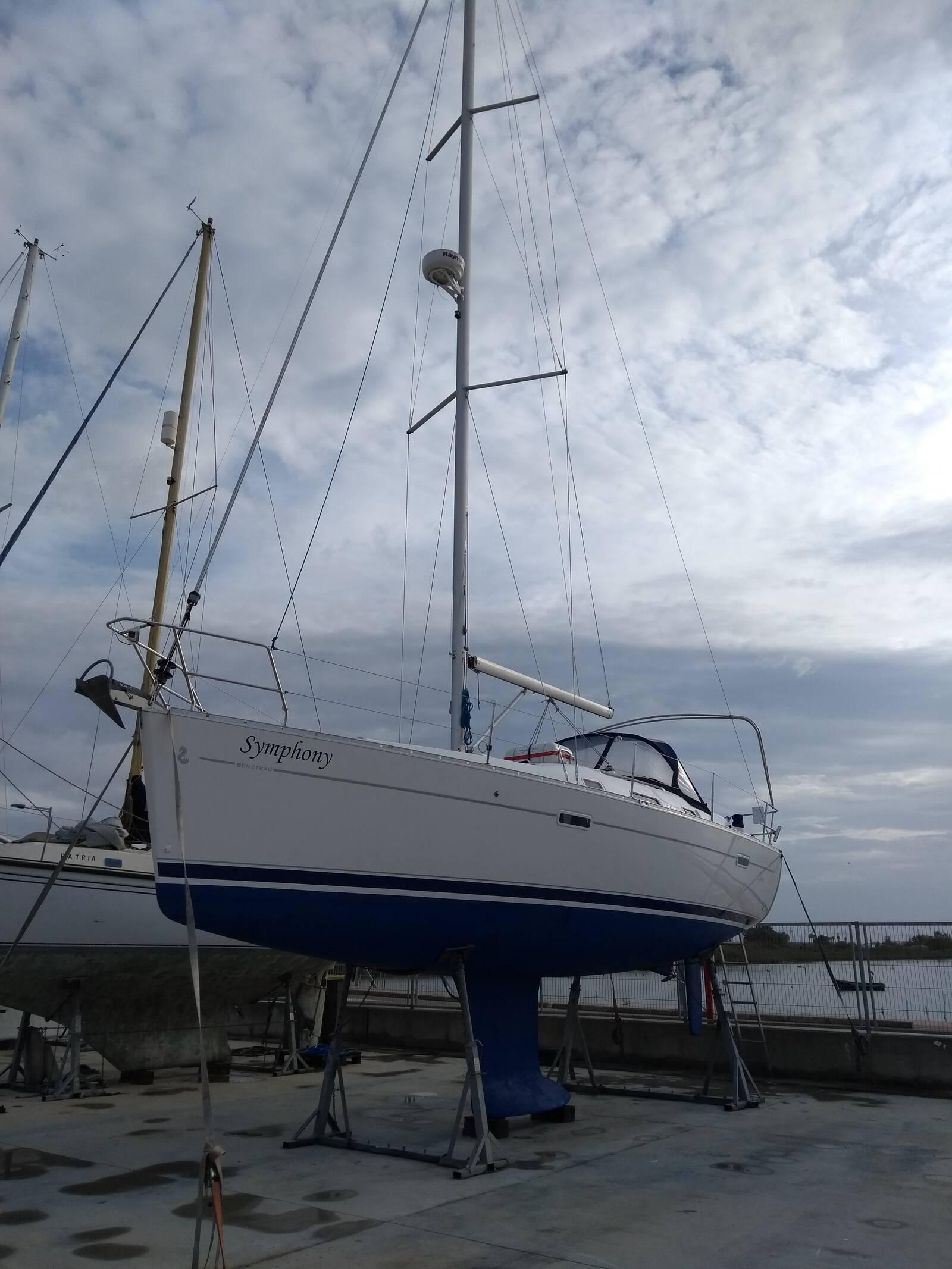 Beneteau Oceanis 343 Clipper in the yard