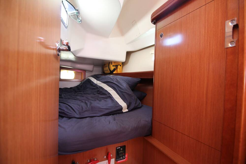 Beneteau Oceanis 343 Clipper  Aft cabin