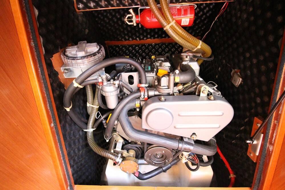 Beneteau Oceanis 343 Clipper Engine
