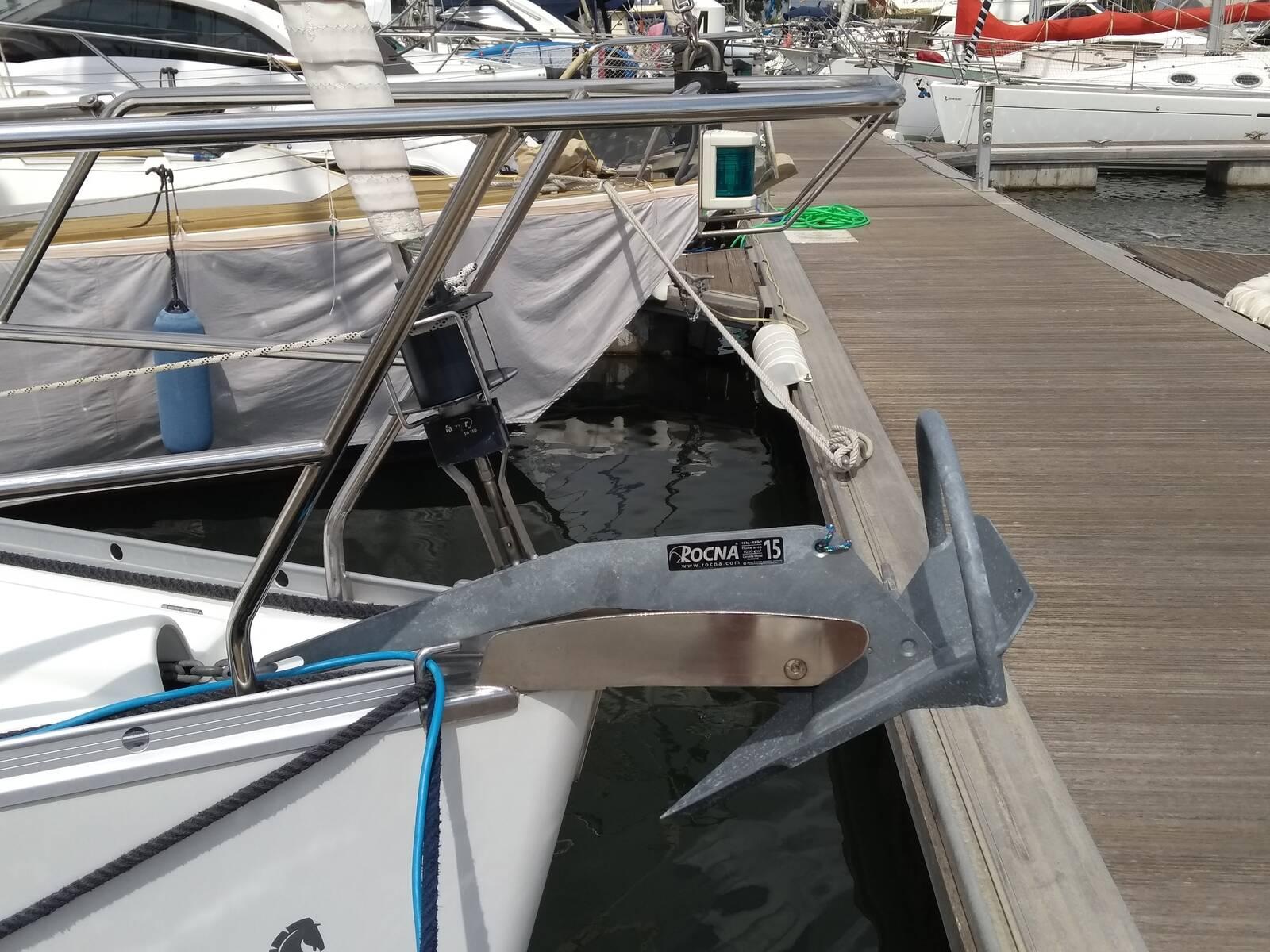Beneteau Oceanis 343 Clipper Anchor