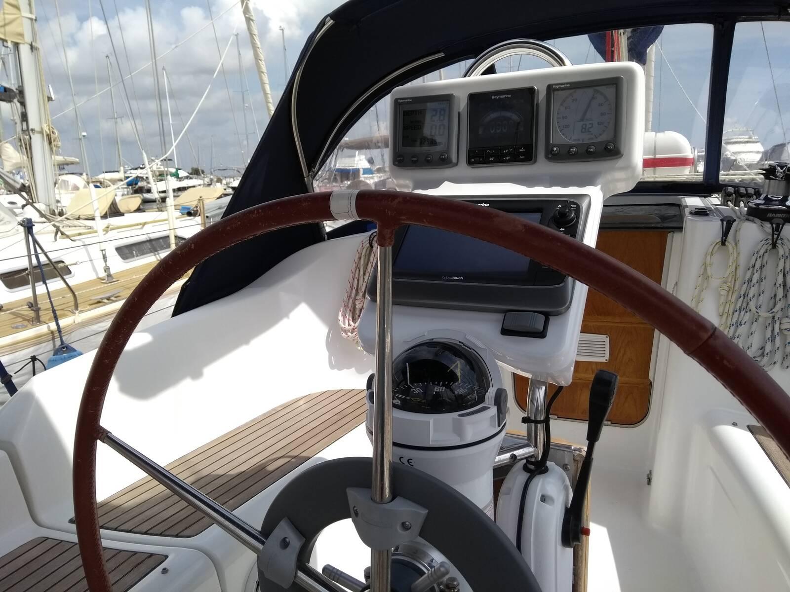 Beneteau Oceanis 343 whell