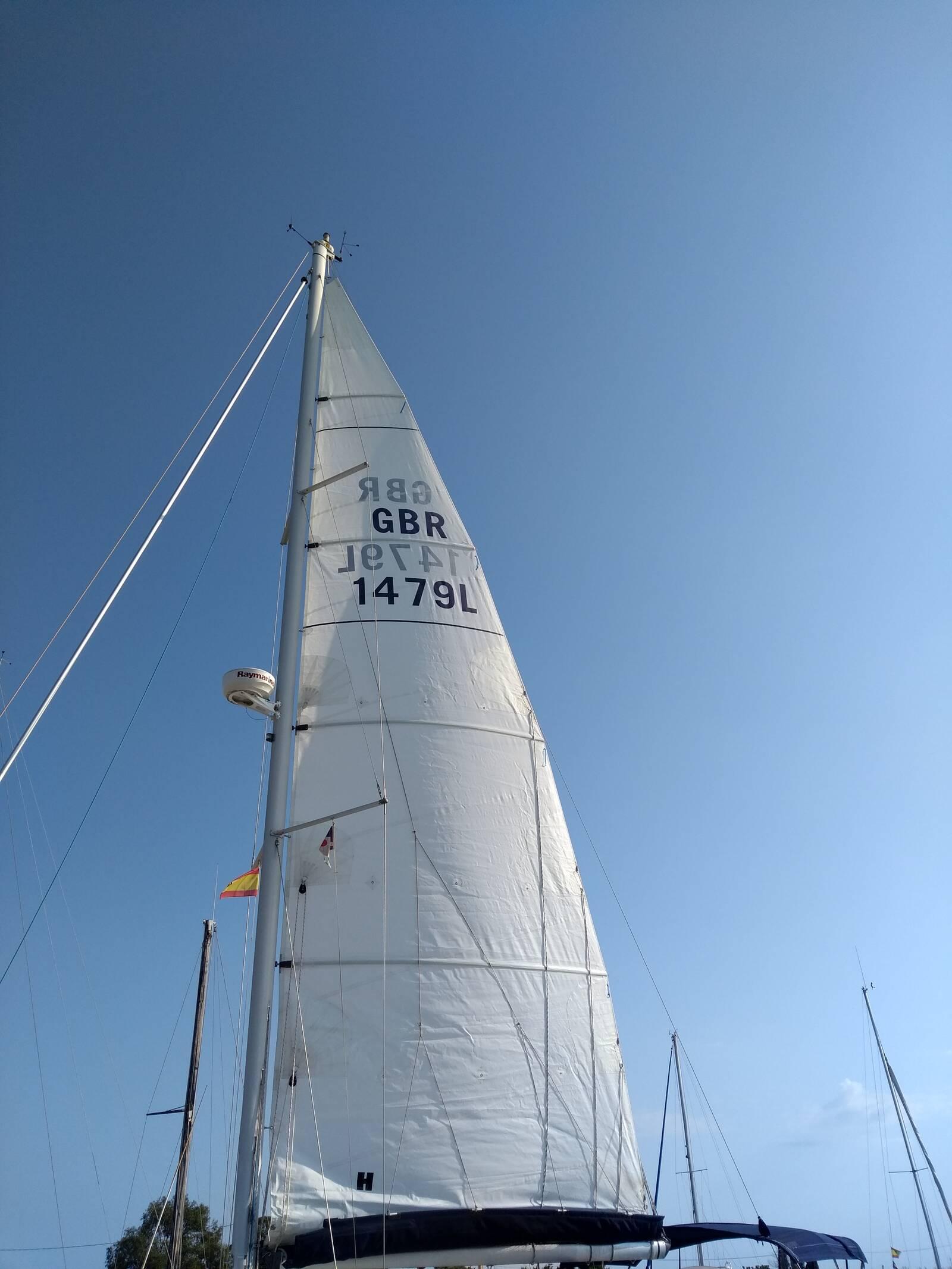 Beneteau Oceanis 343 sail