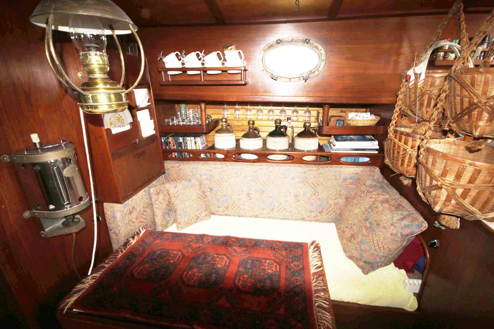 Alajuela 38 Sailing boat long keel boat drinks