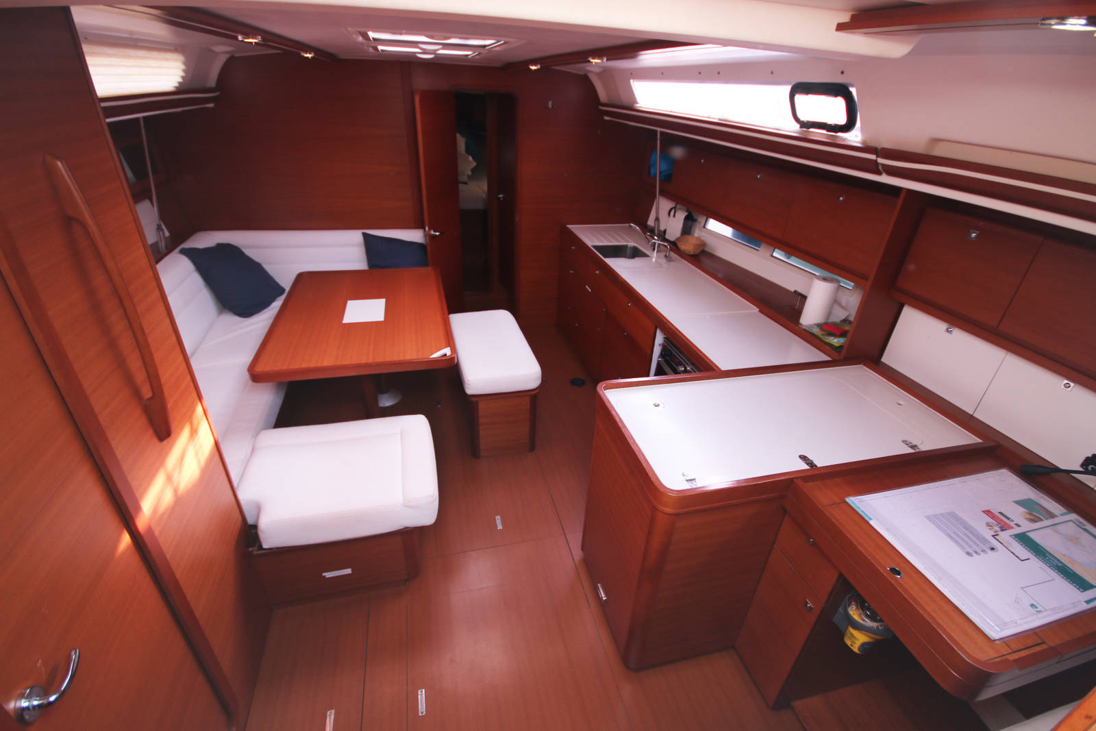 Dufour 450 Grand Large Saloon