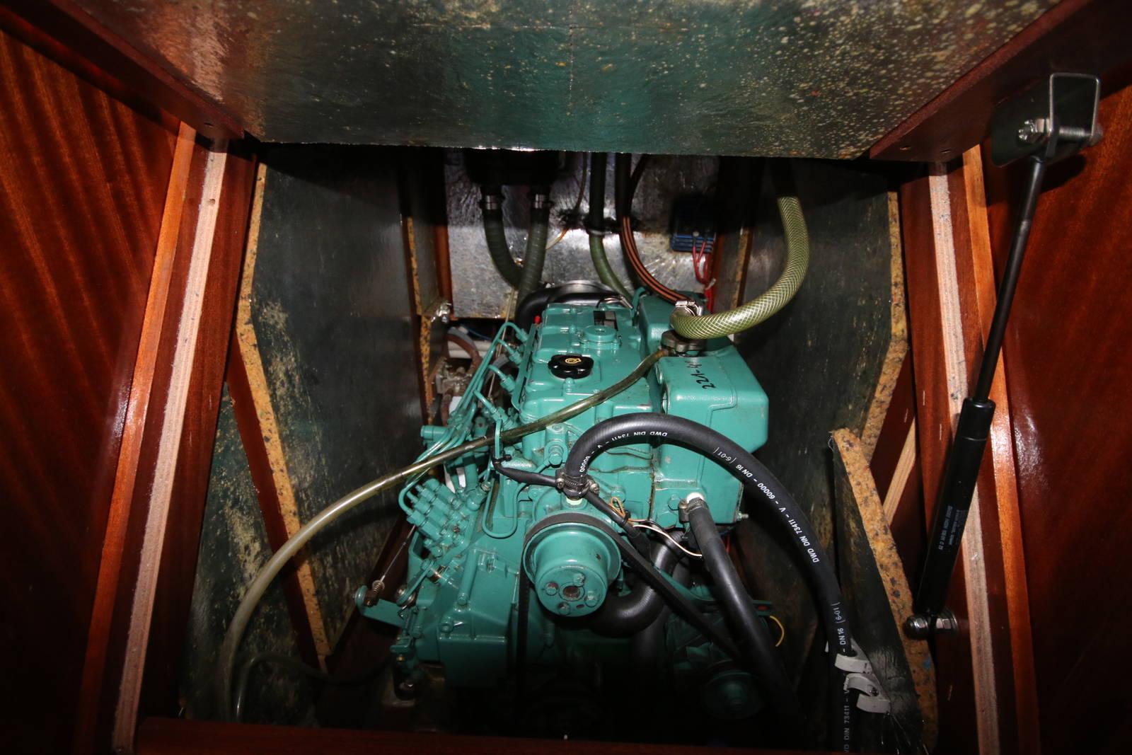 Bavaria Cruiser 40 engine