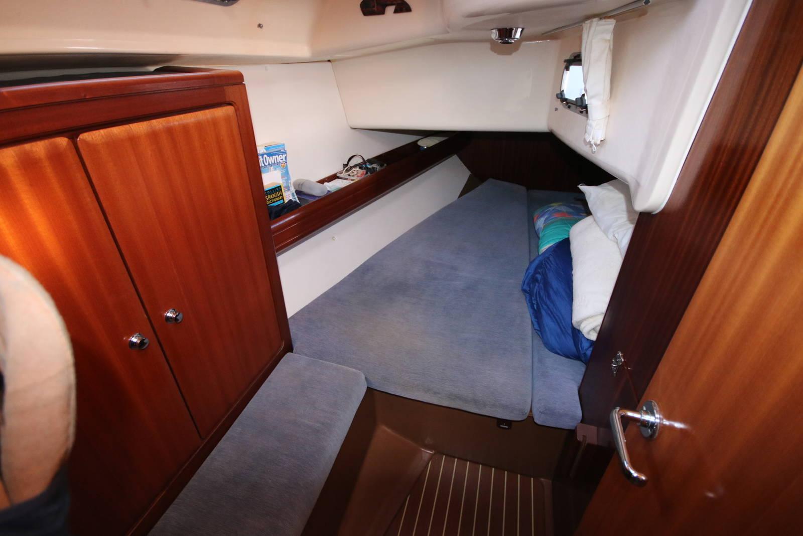 Bavaria Cruiser 40 aft cabin
