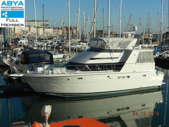 Hatteras_48_Cockpit_Motor_Yacht