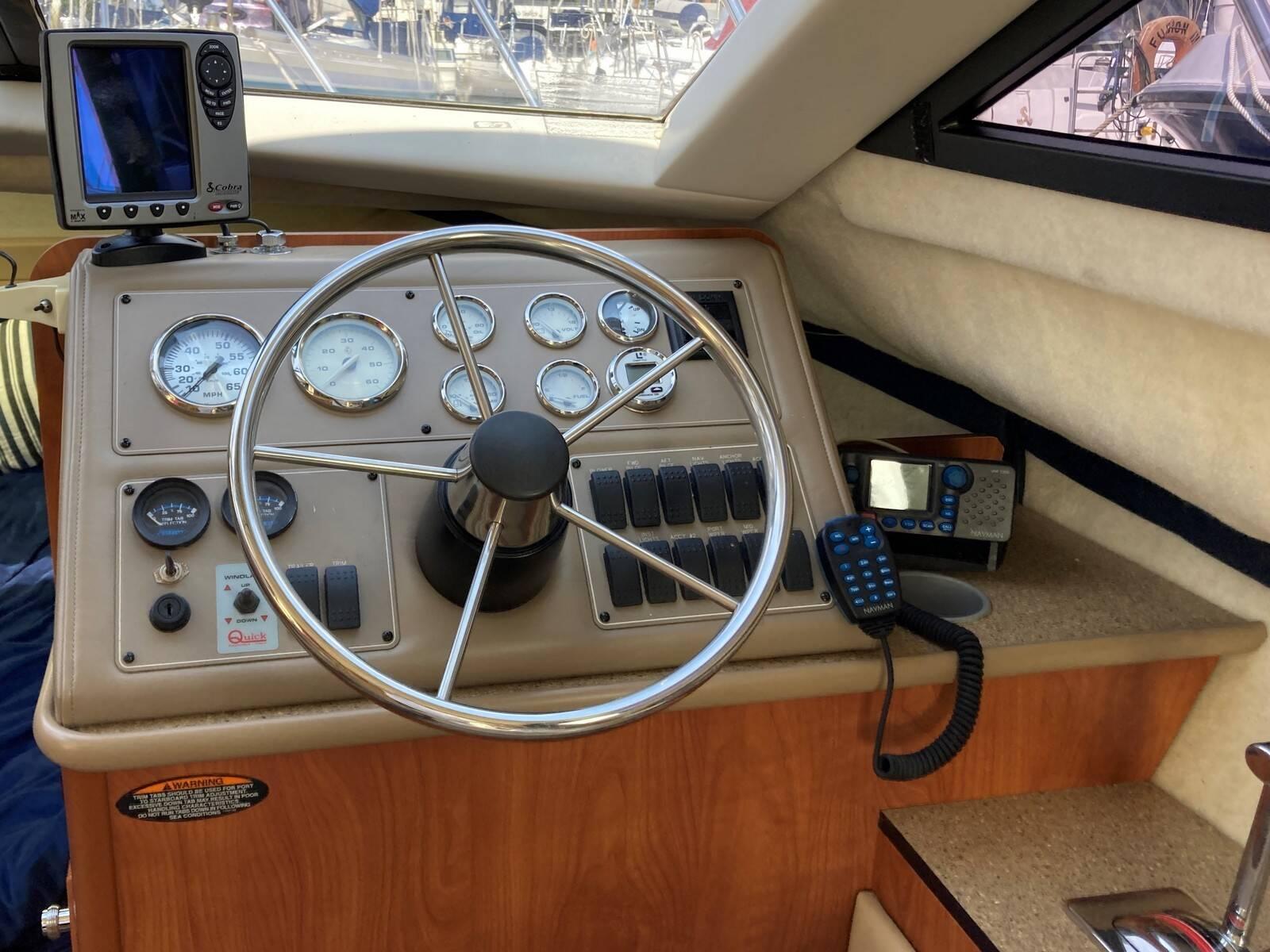 Bayliner 288 interior wheel