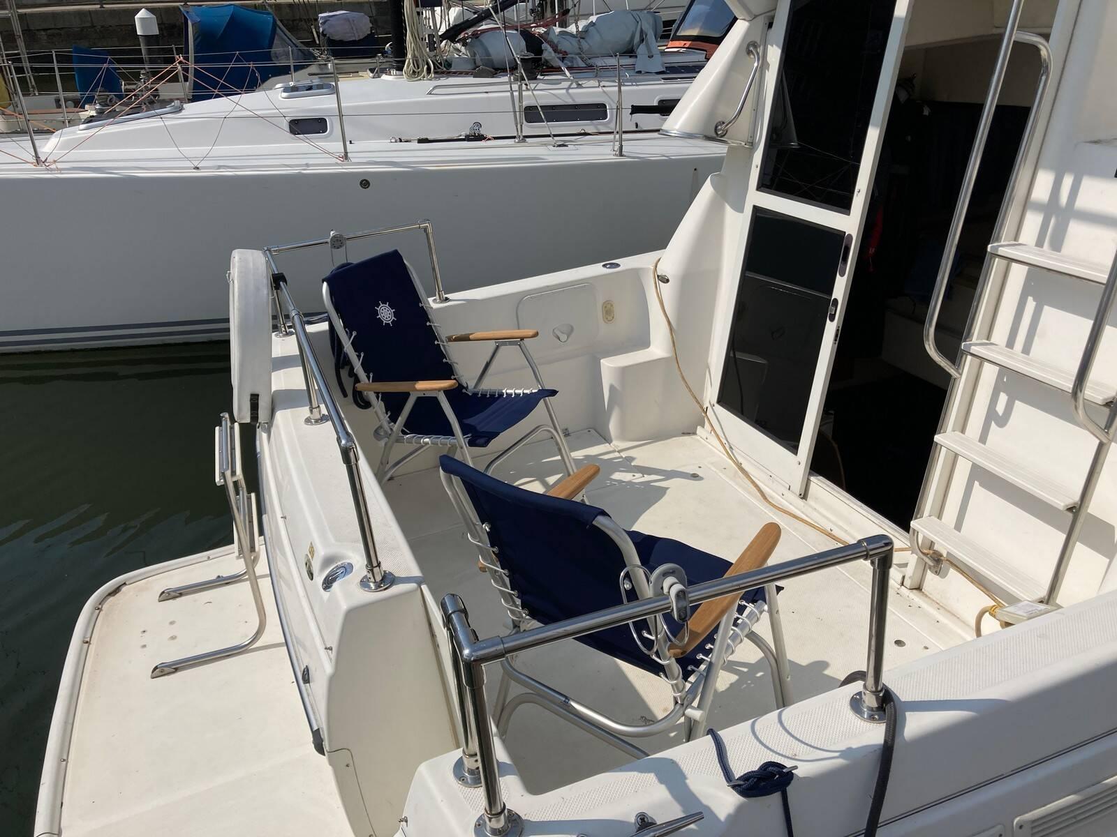 Bayliner 288 cockpit