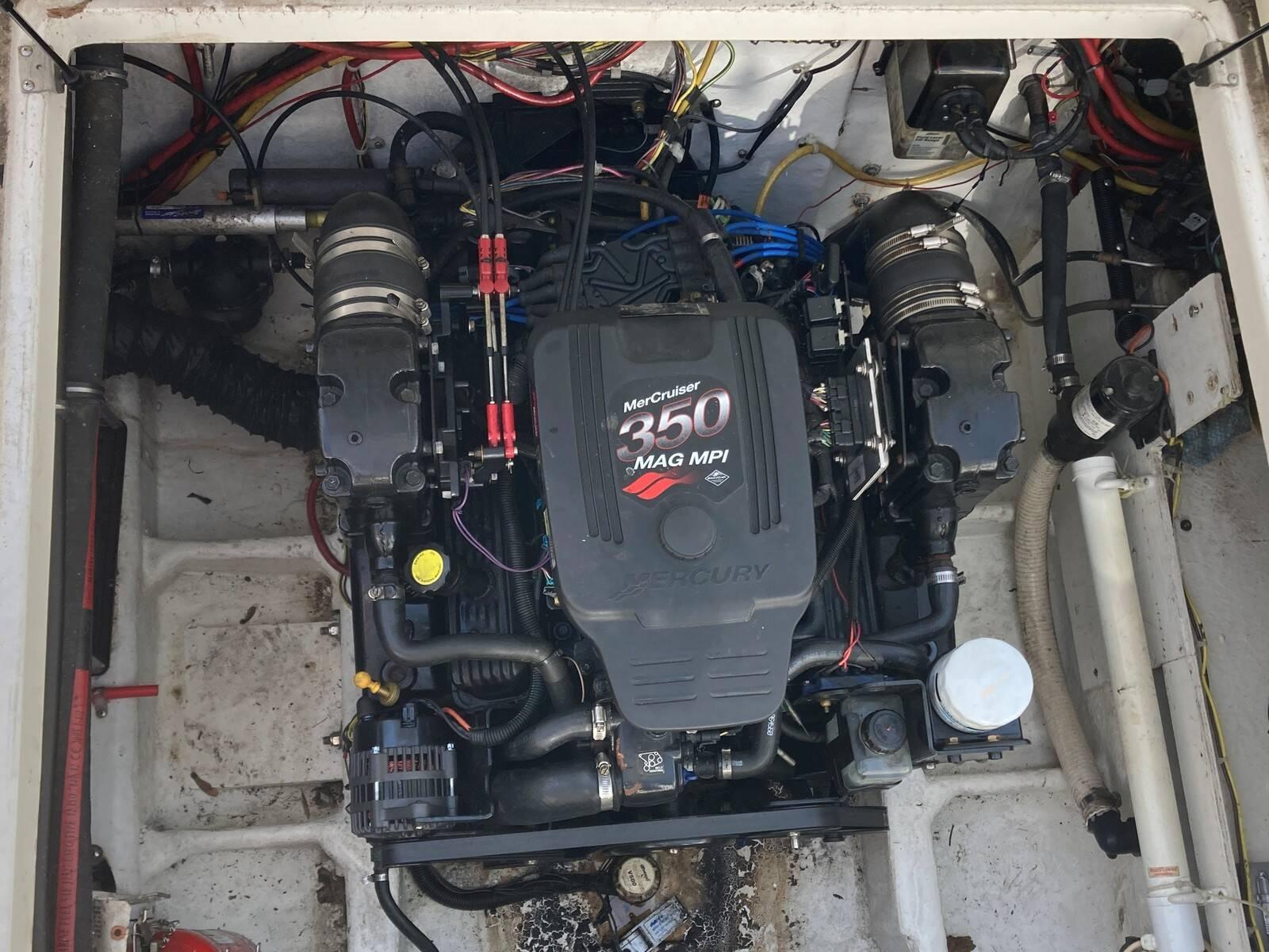 Bayliner 288 engine 4