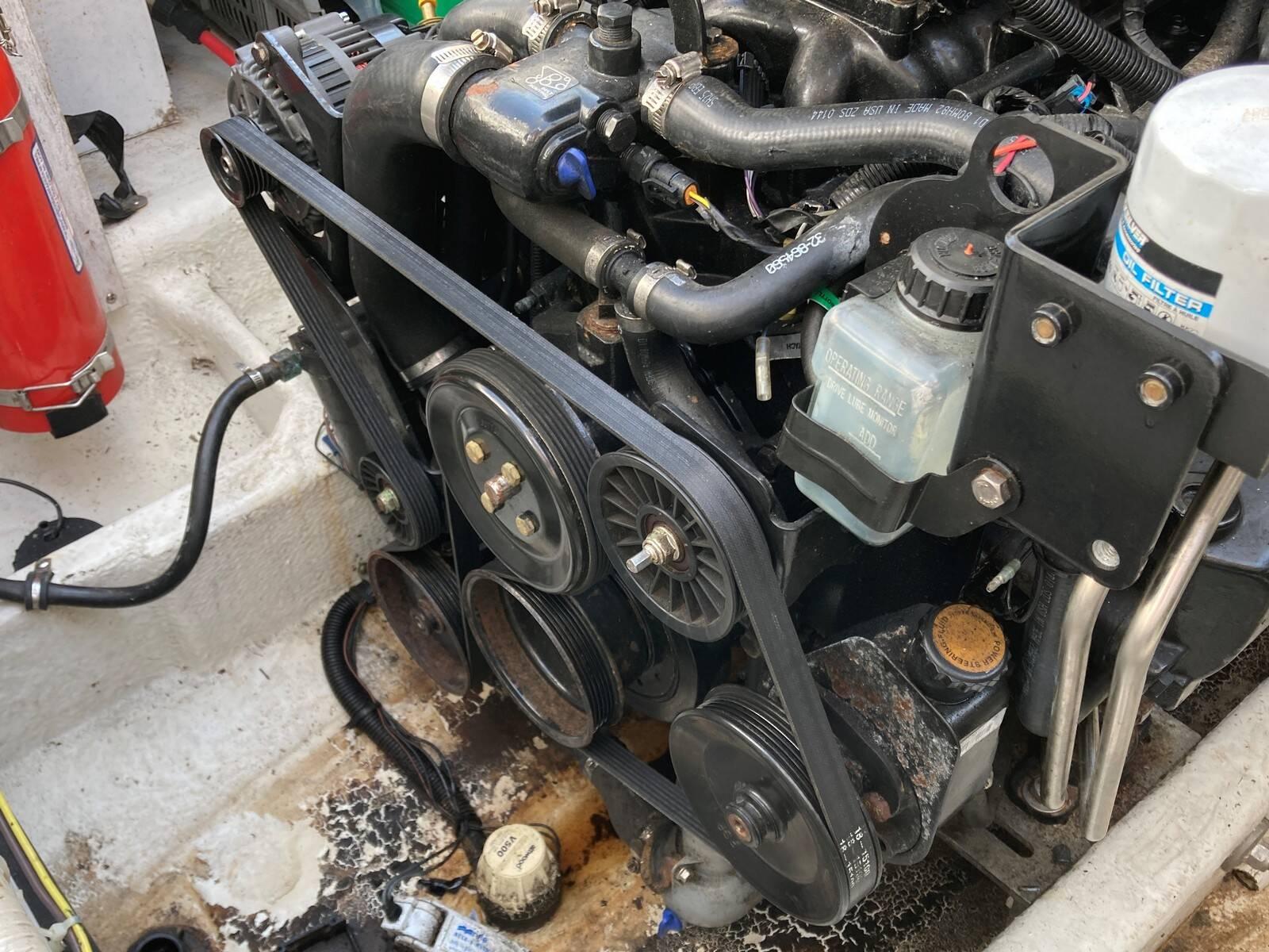 Bayliner 288 engine 7