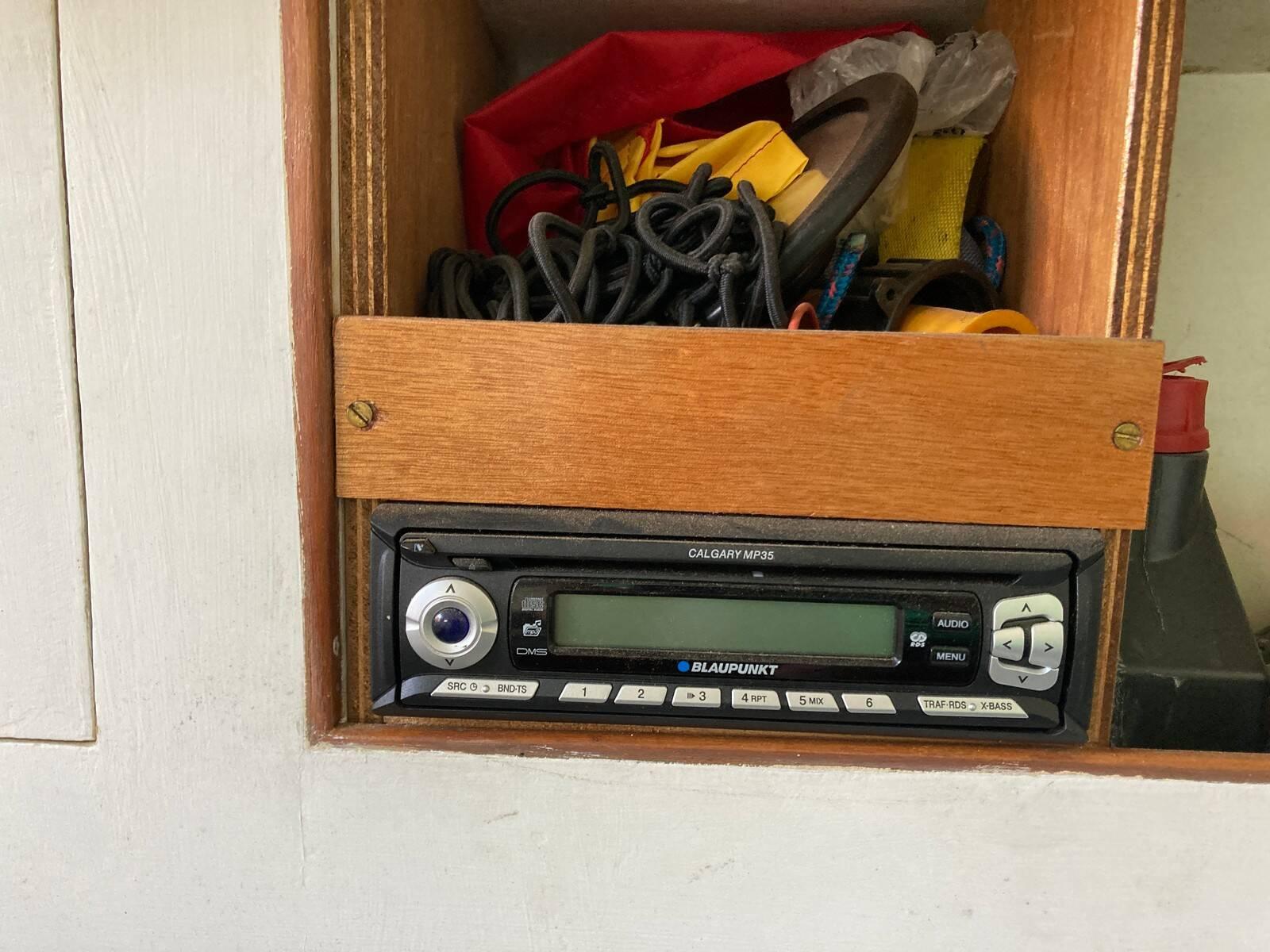 Twister 28 radio